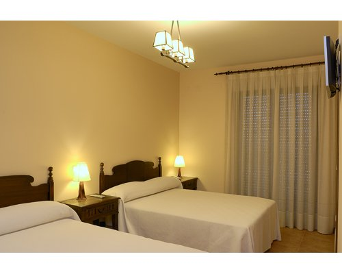 Dise o interior decoraci n carpinter a en madera y for Hotel rural diseno