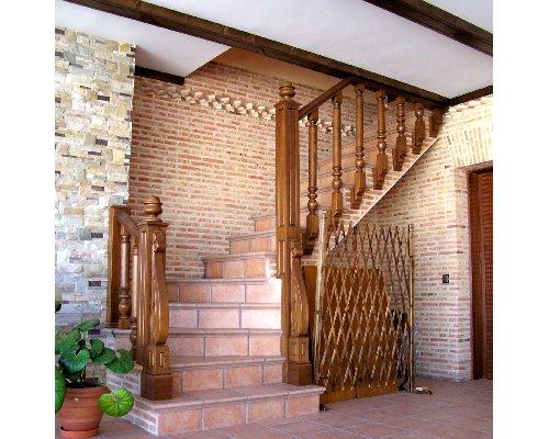Alta decoraci n en madera puertas artesonados vivienda - Alta decoracion de interiores ...