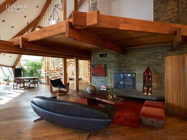 Una casa de madera piedra y cristal por nancy copley en los bosques de nueva york - Casas de madera por dentro ...