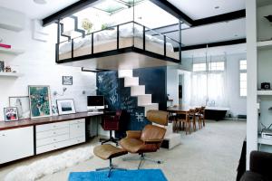 suspended-bedroom