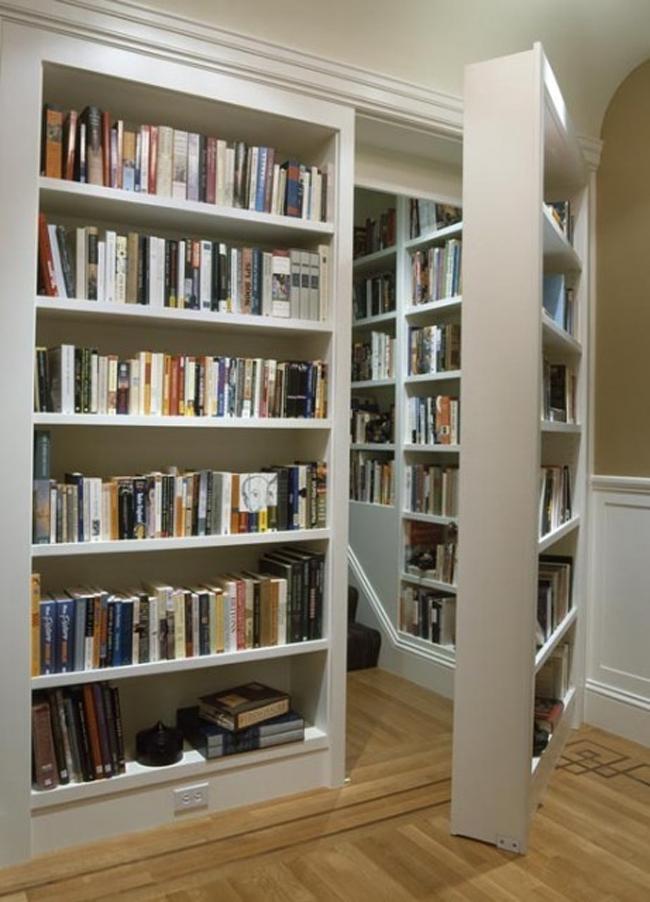 Librería library with secret door @RuarteContract