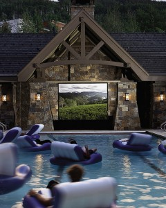 Swimming pool home cinema @RuarteContract alta decoración