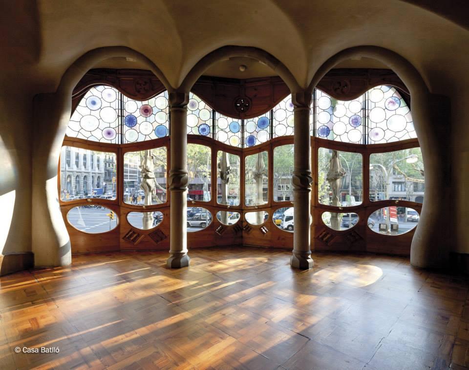 Locos por gaud nos encanta casa batll ruartecontract blog for Gaudi muebles