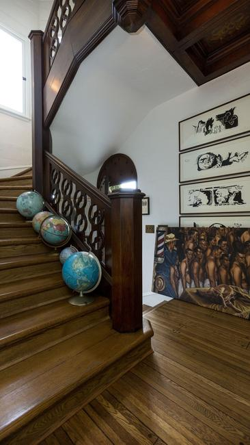 moby house hollywood 7 staircase @RuarteContract