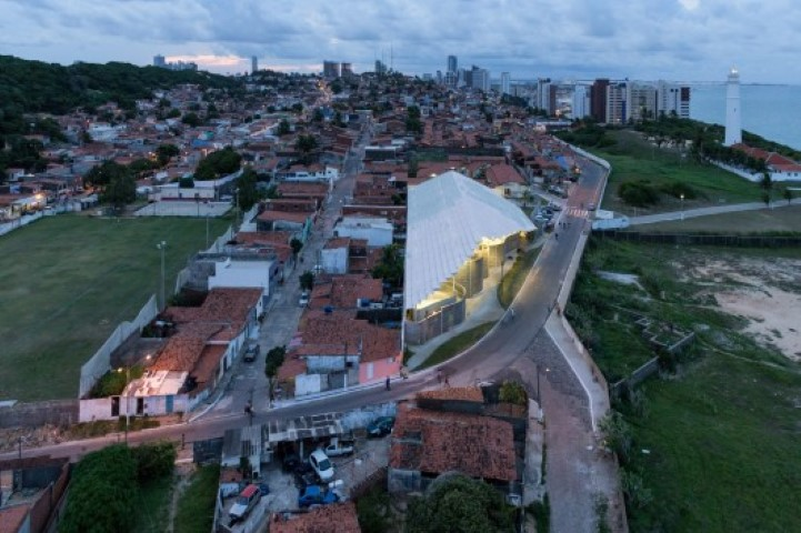 Arena do Morro Herzog de Meuron@RuarteContract (Small)