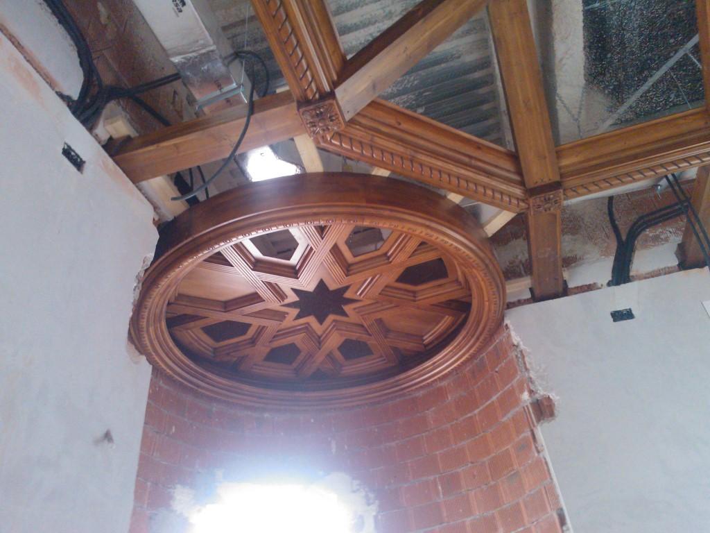 Diseño, construcción e instalación de decoración en madera, techos, puertas y mueble Restaurante Castillo de Izán Burgos @RuarteContract (10) (Medium)