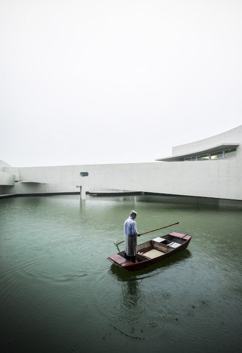 The building on the water Alvaro Siza@RuarteContract (Small)
