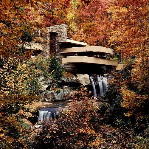Frank Lloyds Wright casa en la cascada falling water house @RuarteContract