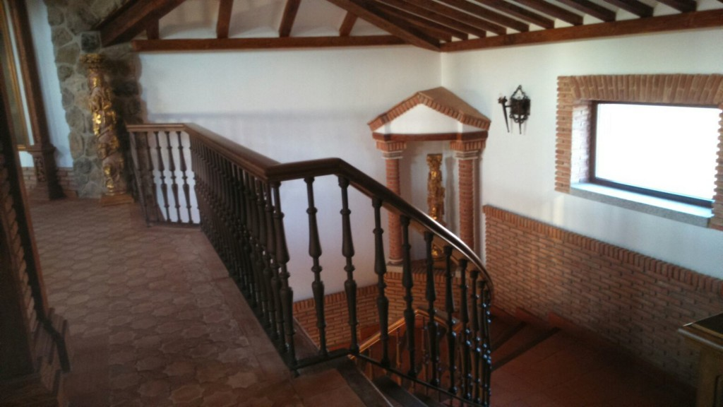Escaleras de caracol y escaleras de madera para interiores - Escalera de madera interior ...