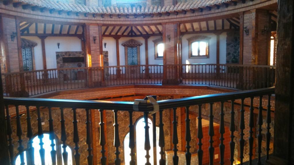 Escaleras de caracol y escaleras de madera para interiores - Madera para techos interiores ...