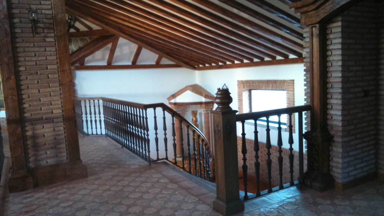Escaleras de caracol y escaleras de madera para interiores for Ver escaleras de caracol