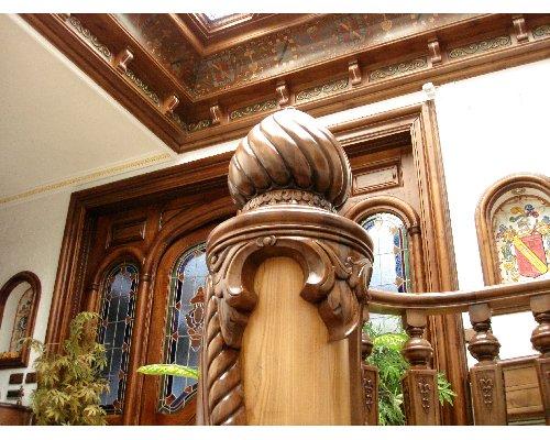 escalera de caracol en madera vivienda en Toledo @RuarteContract