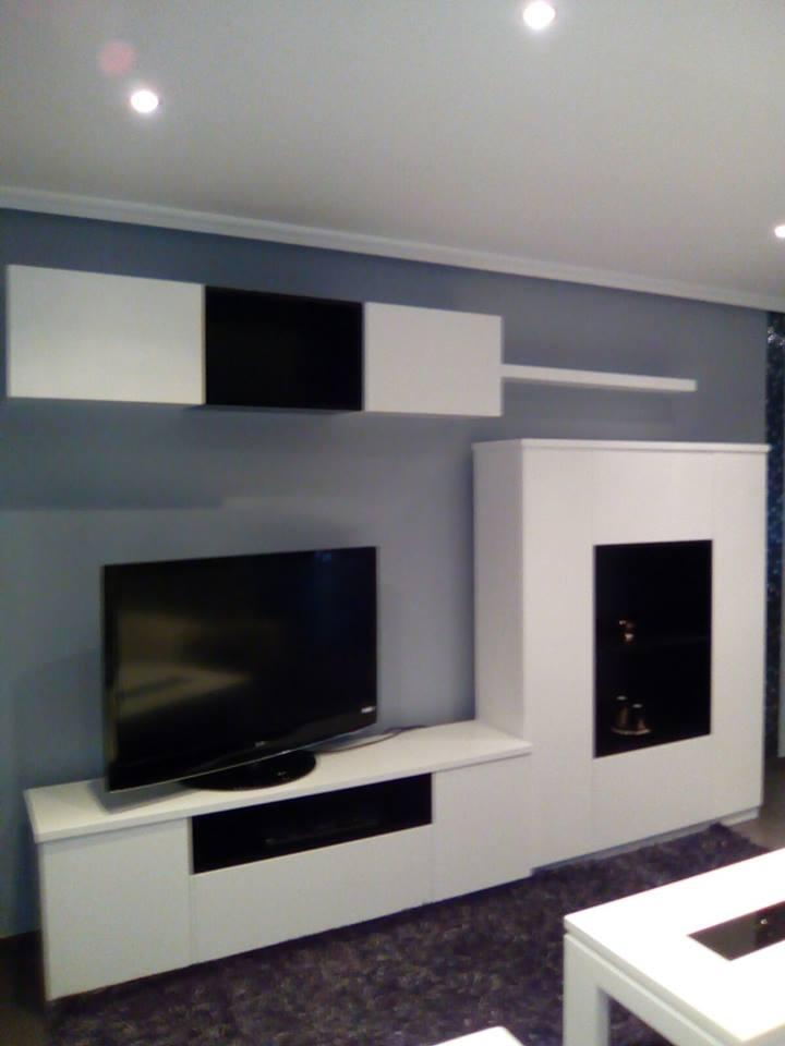Decoración apartamento DM lacado y chapa natural de fresno @RuarteContract interiorismo decoradores decoracion viviendas casas hogar mueble 2