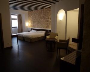 Decoracion-y-amueblamiento-integral-Hotel-Spa-Palacio-del-Infante-Don-Juan-Manuel-Belmonte-Cuenca-3-@RuarteContract-castillos-hoteles-contract-carpi